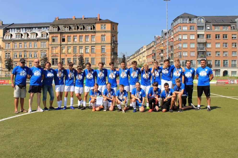 C1-Jugend wird Meister der Stadtoberliga und schafft Aufstieg in die Landesklasse!